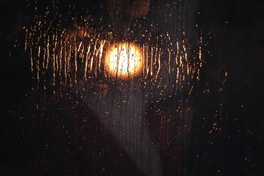 light-574403_1920